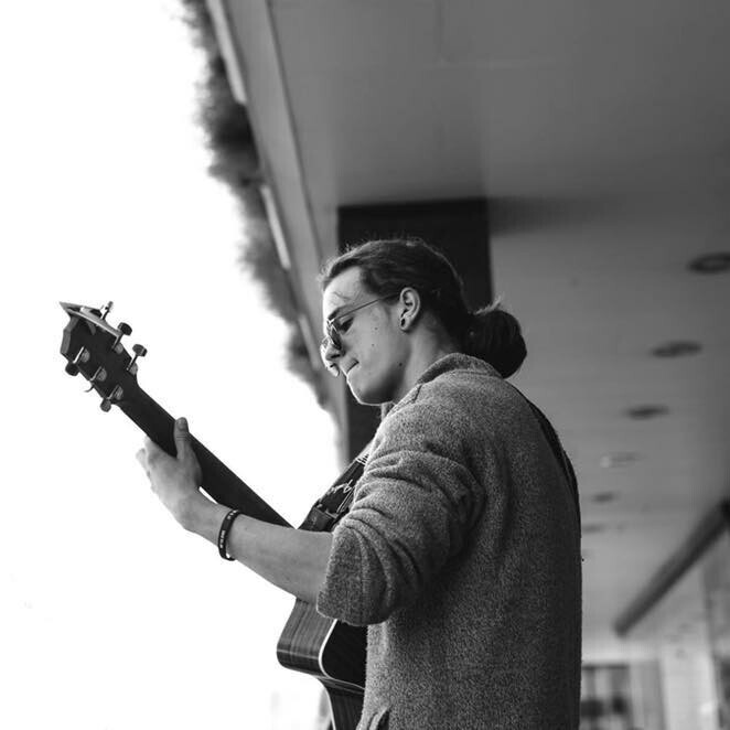 Acoustic Sessions: Aaron Wiggett