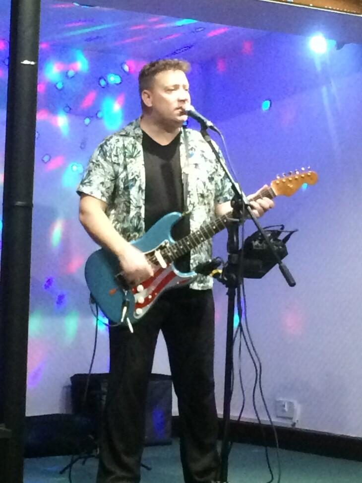 Nick Caruso (solo singer)