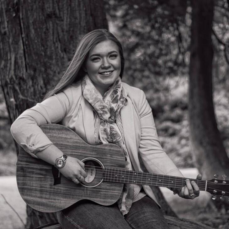 Live Singer Claire Curran