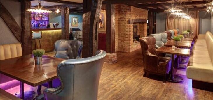 Virtual Tour Around The Restaurant!