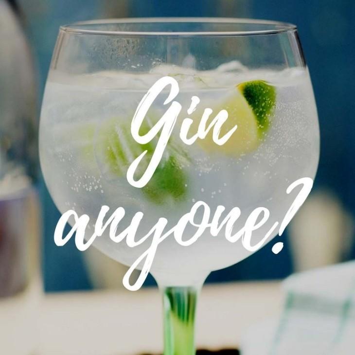 Gin & Fizź Night