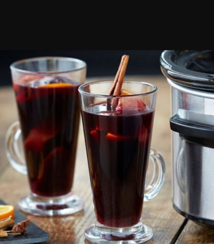 Festive Drinks - Mulled Wine £3.25
