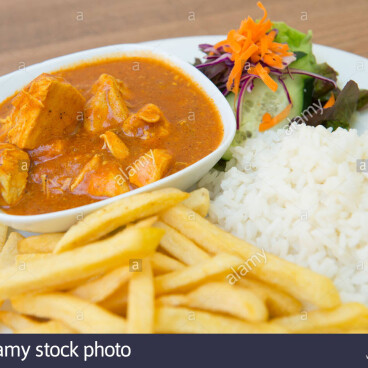 CURRY & CHIPS & NAAN BREAD  £5