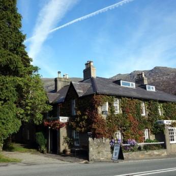 Pen Y Gwryd Hotel, Capel Curig