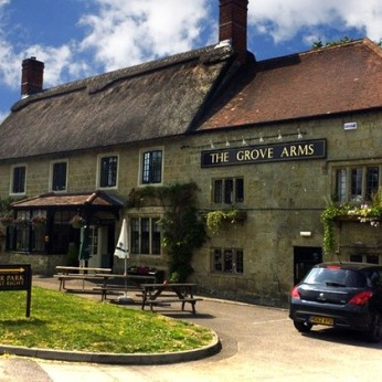 Grove Arms Hotel, Ludwell