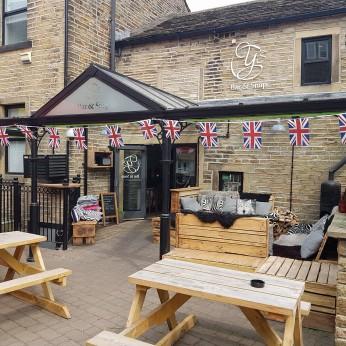 Y's Bar & Snap, Holmfirth