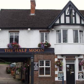 Half Moon, Hitchin