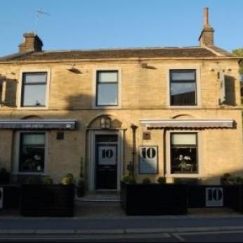 10 Bar & Kitchen, Lindley