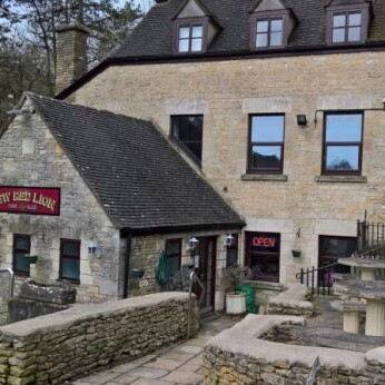 New Red Lion, Chalford