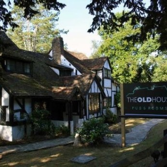 Old House Inn, Copthorne