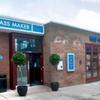 Glassmaker, Nailsea