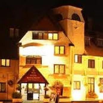 Devil's Punchbowl Hotel, Hindhead
