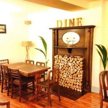 Old School Bar & Kitchen, Mount Hawke