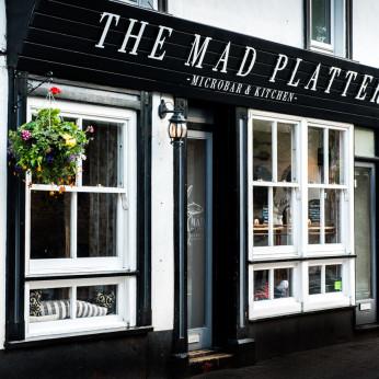 Mad Platter, Usk