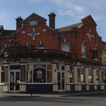 Red Lion & Pineapple, London W3