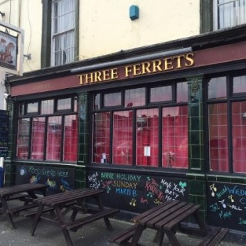 Three Ferrets, Devonport