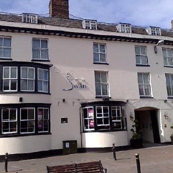 Swan Hotel, Forebridge