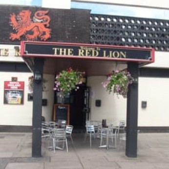 Red Lion, Shirley