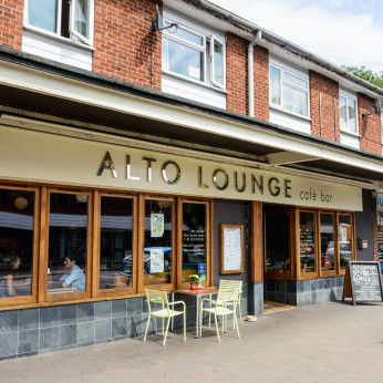 Alto Lounge, Caversham