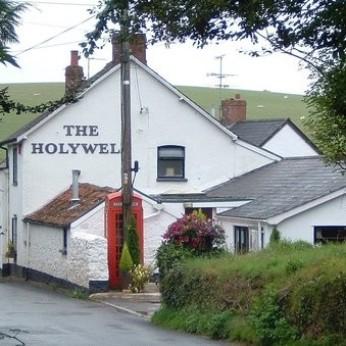 Holywell Inn, Holywell Lake