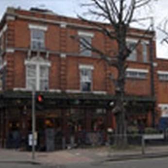 Walnut Tree, London E11