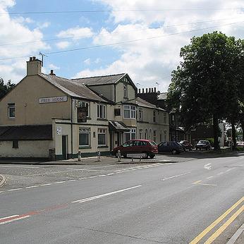 Golden Lion Inn, Three Elms