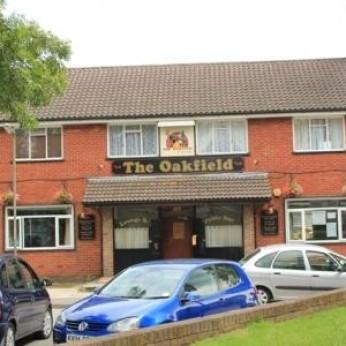 Oakfield Hotel, Oakfield