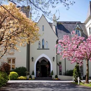 Glen-yr-afon House Hotel, Llanbadoc