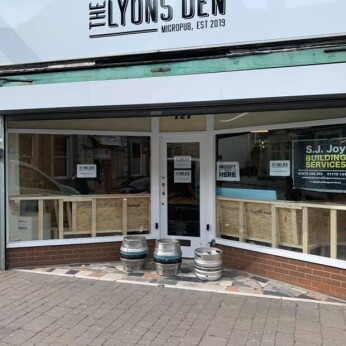 Lyons Den Micropub, Kingswood