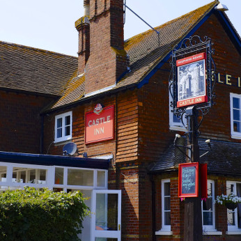 Click to view full size - Castle Inn, Robertsbridge(photograph number 1)