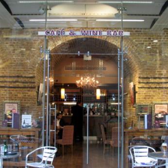 des Vins Café & Wine Bar, London NW1