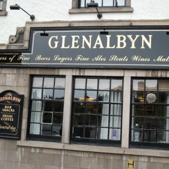 Glenalbyn Bar, Inverness
