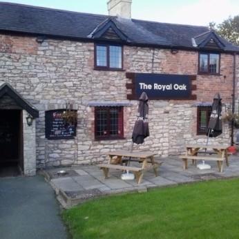 The Royal Oak Inn, Treflach