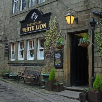 White Lion Hotel, Heptonstall