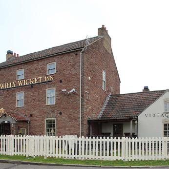 Willy Wicket, Emersons Green