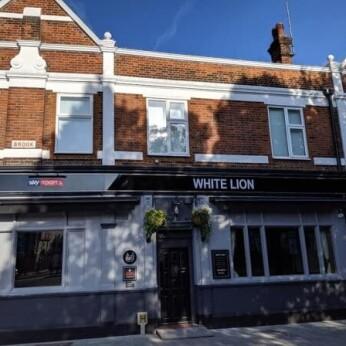 White Lion, Chatham