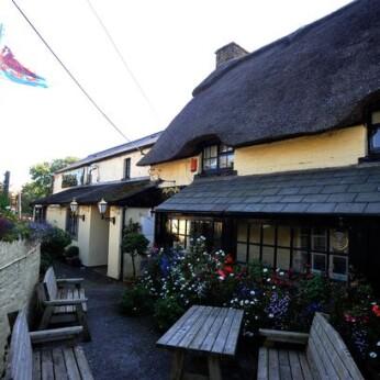 Olde House, Llangynwyd
