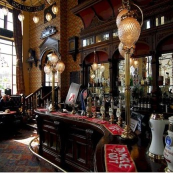 Click to view full size - St Stephens Tavern, London(photograph number 1)