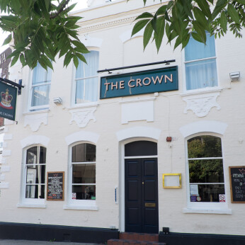 Crown, Luton