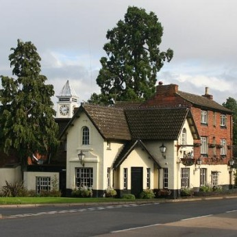 Cross Roads Hotel, Weedon