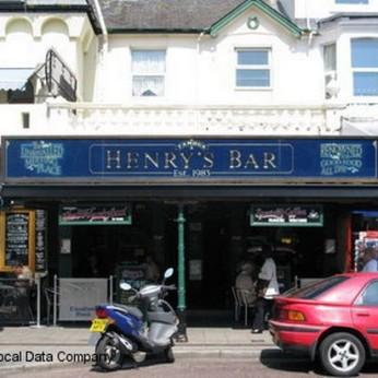 Henry's Bar, Paignton