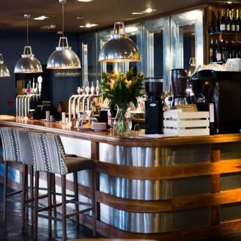 Mortons Kitchen Bar and Deli, Shirley