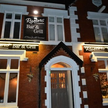 Rueters Bar & Grill, Southport