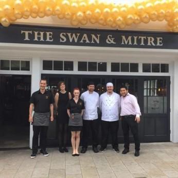 Swan & Mitre, Bromley