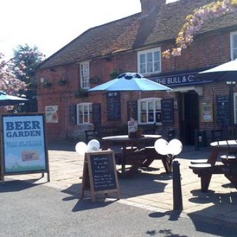 Bull & Chequers, Woodley
